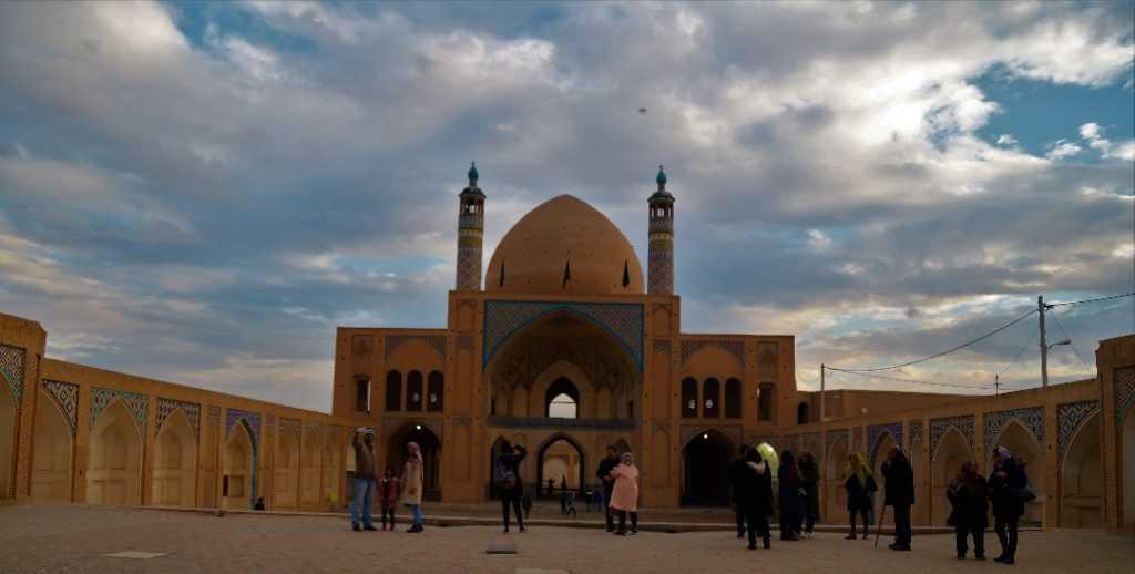 مسجد آقا بزرگ كاشان