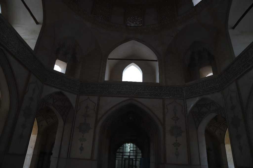 داخل مسجد آقا بزرگ كاشان