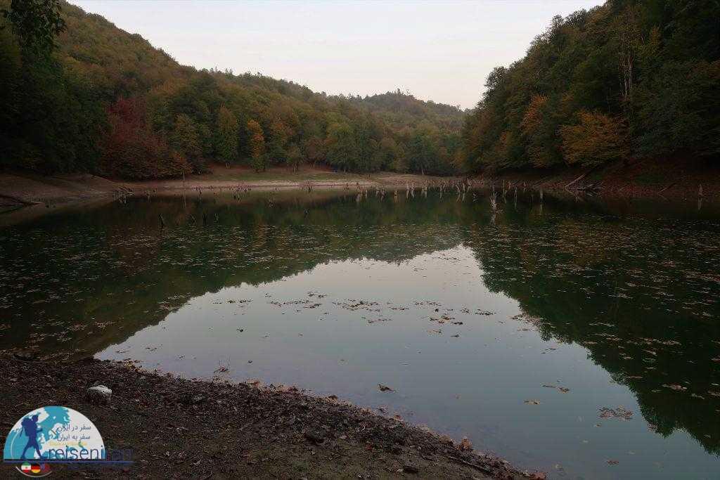 وسعت دریاچه چورت