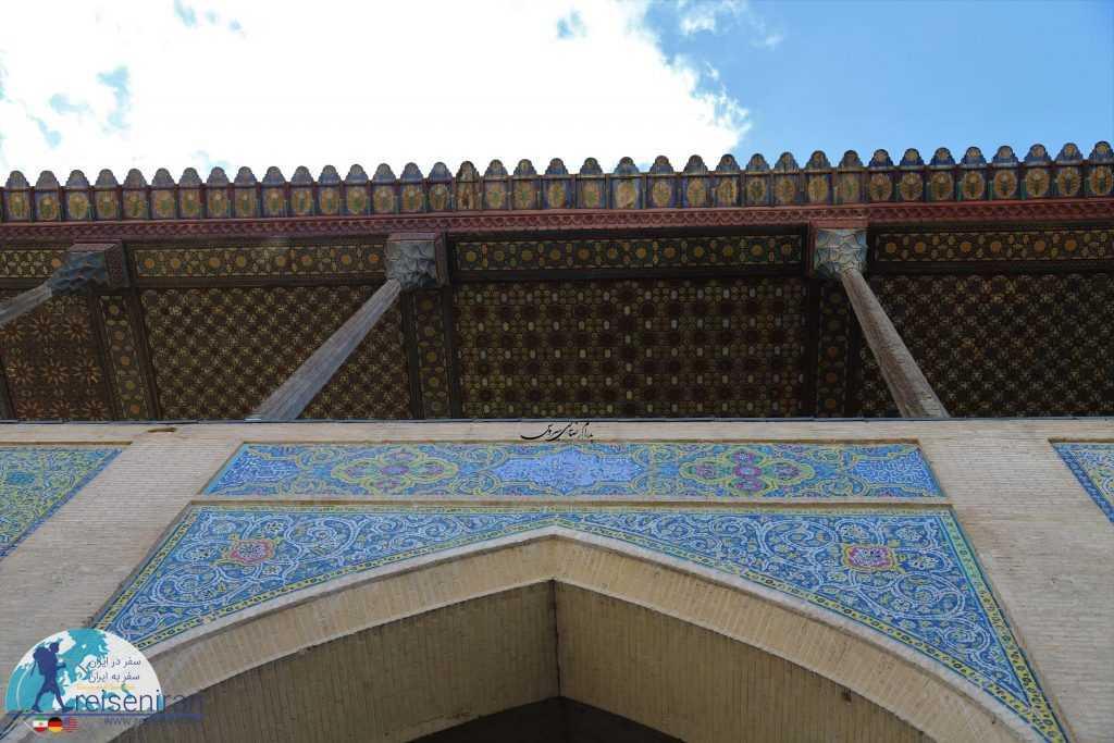 تزئینات سقف ایوان عالی قاپو