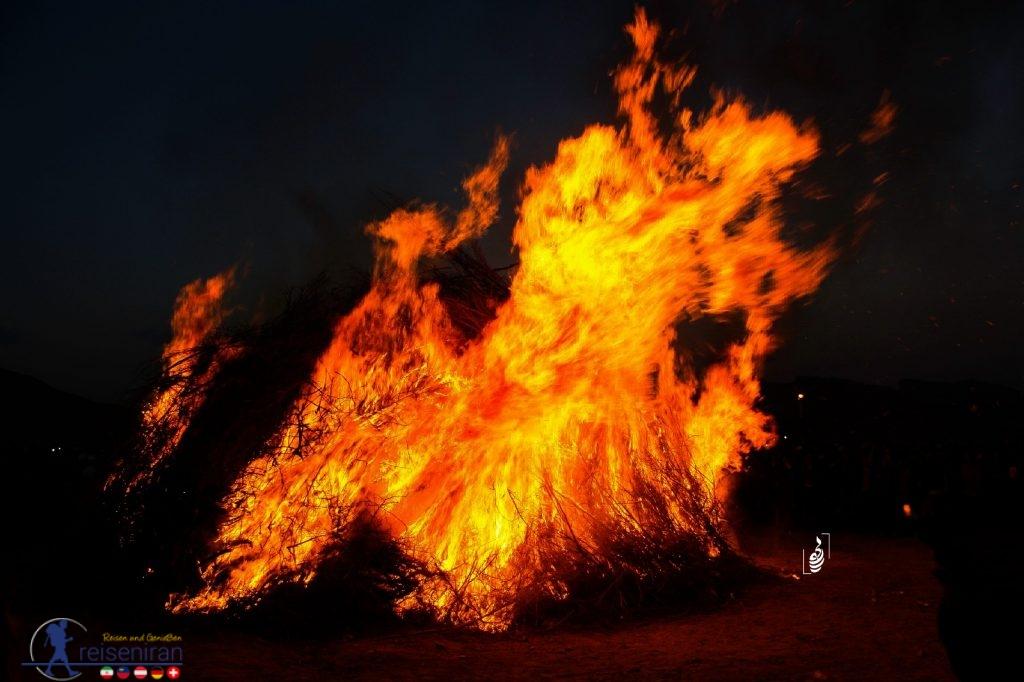 آتش جشن سده