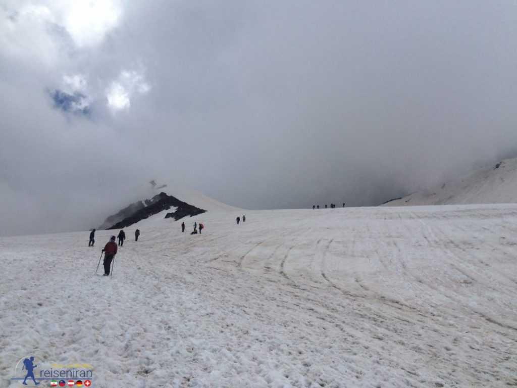 مسیر صعود به قله سیالان البرز غربی
