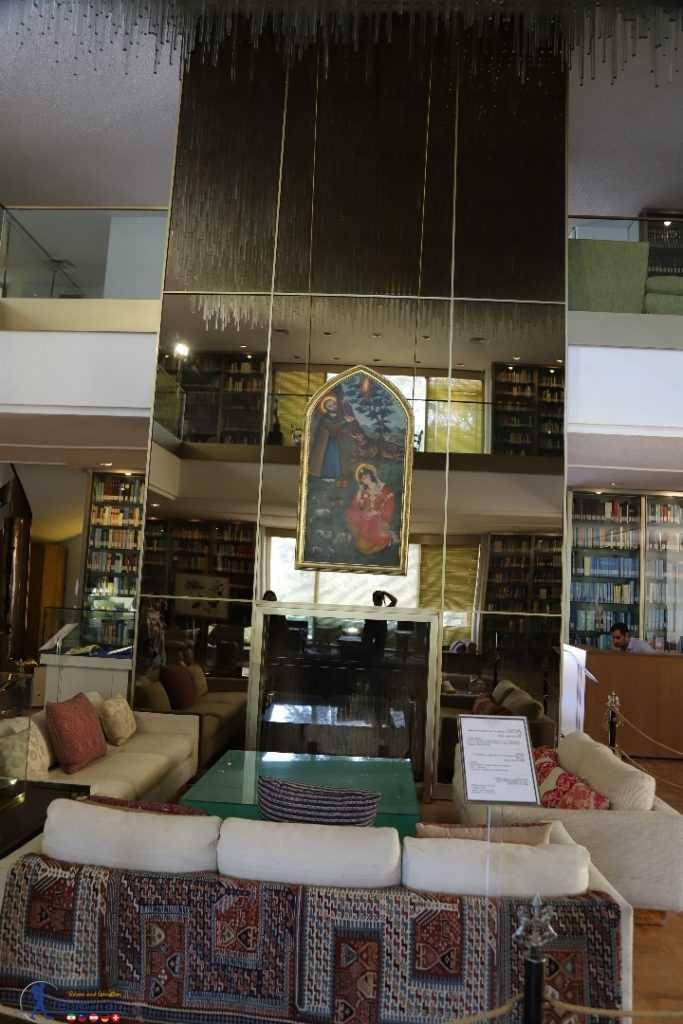کتابخانه کاخ نیاوران