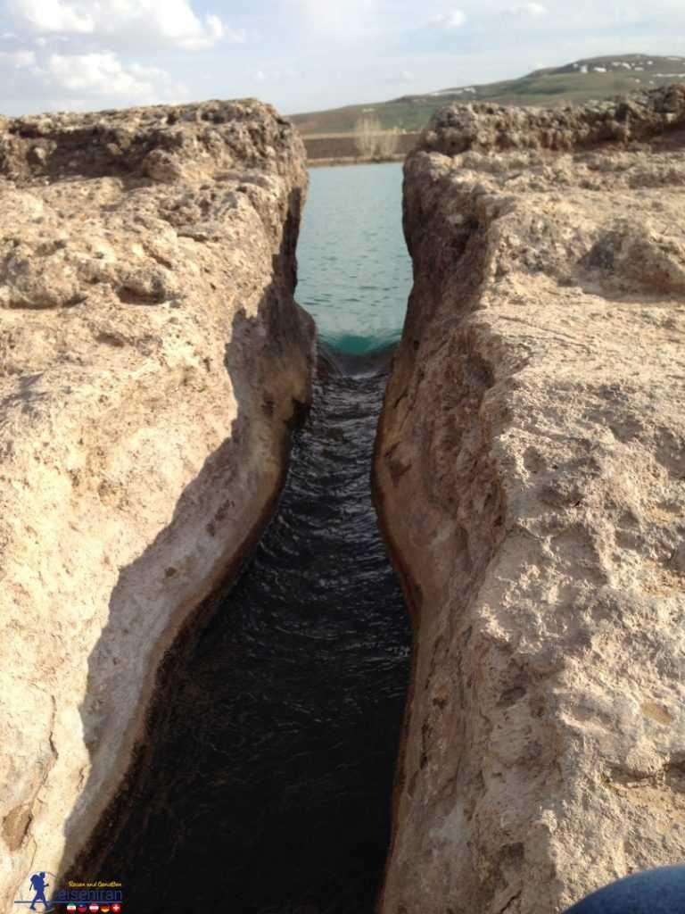 خروجی دریاچه تخت سلیمان