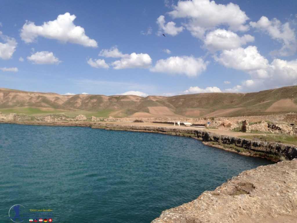 دریاچه تخت سلیمان تکاب