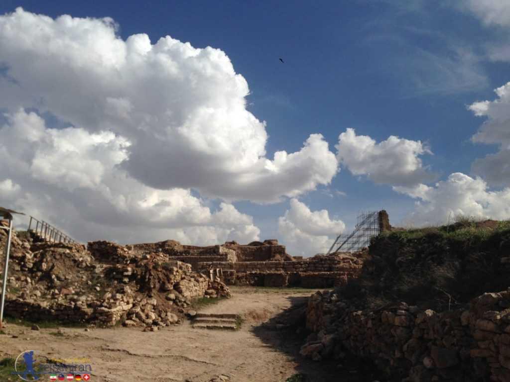 محوطه باستانی تختسلیمان