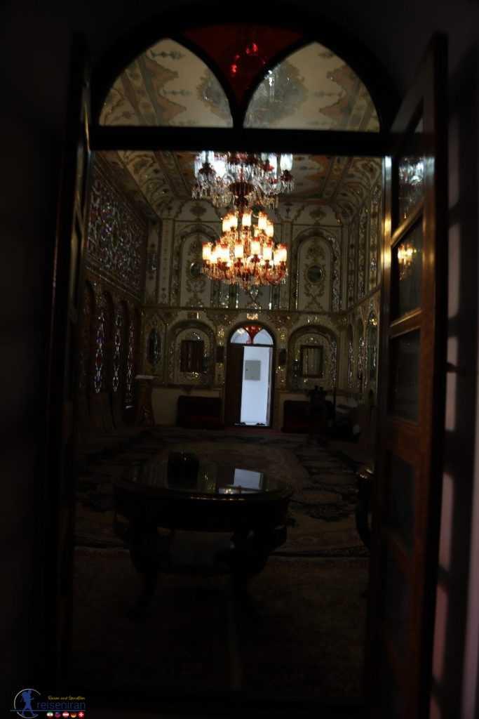 ورودی اتاق زیبای شاه نشین