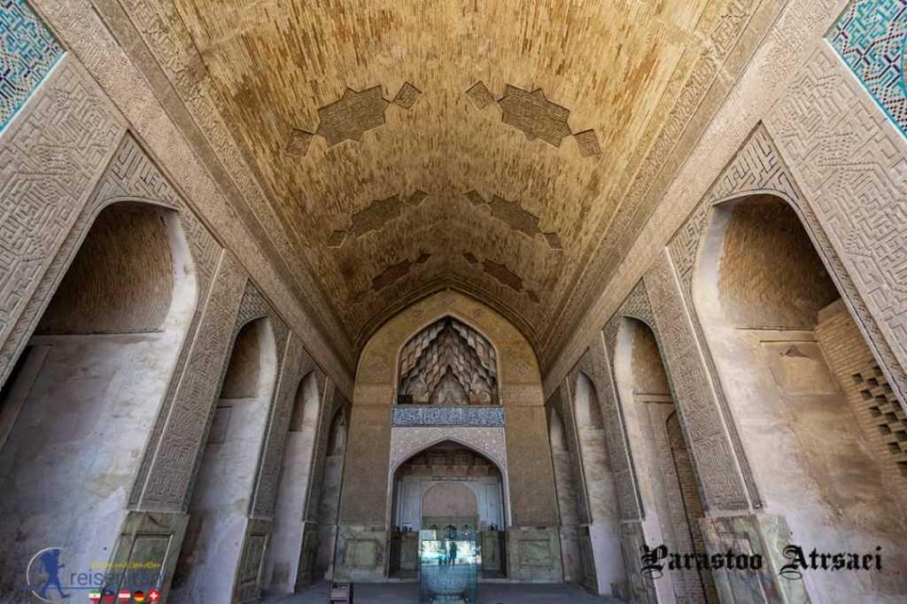 آجرکاریهای زیبای مسجد جامع اصفهان