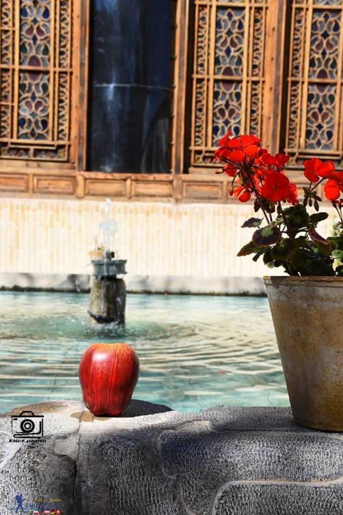 حیاط اندرونی خانه مشروطه اصفهان