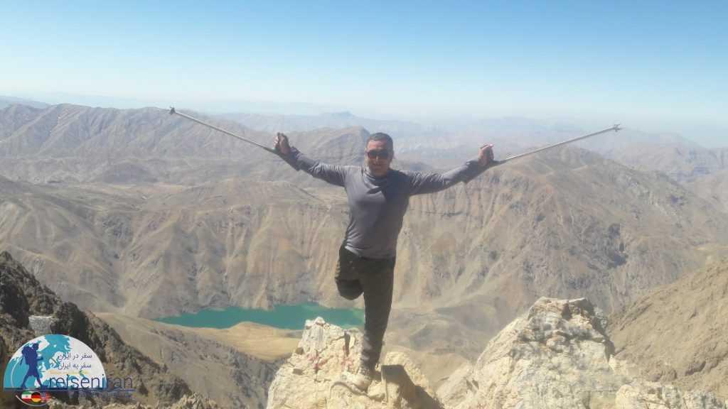 بر فراز قله سن بران و نمای دریاچه گهر
