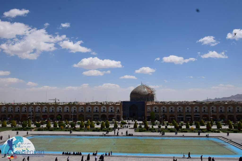 نمای مسجد شیخ لطف الله از عالیقاپو