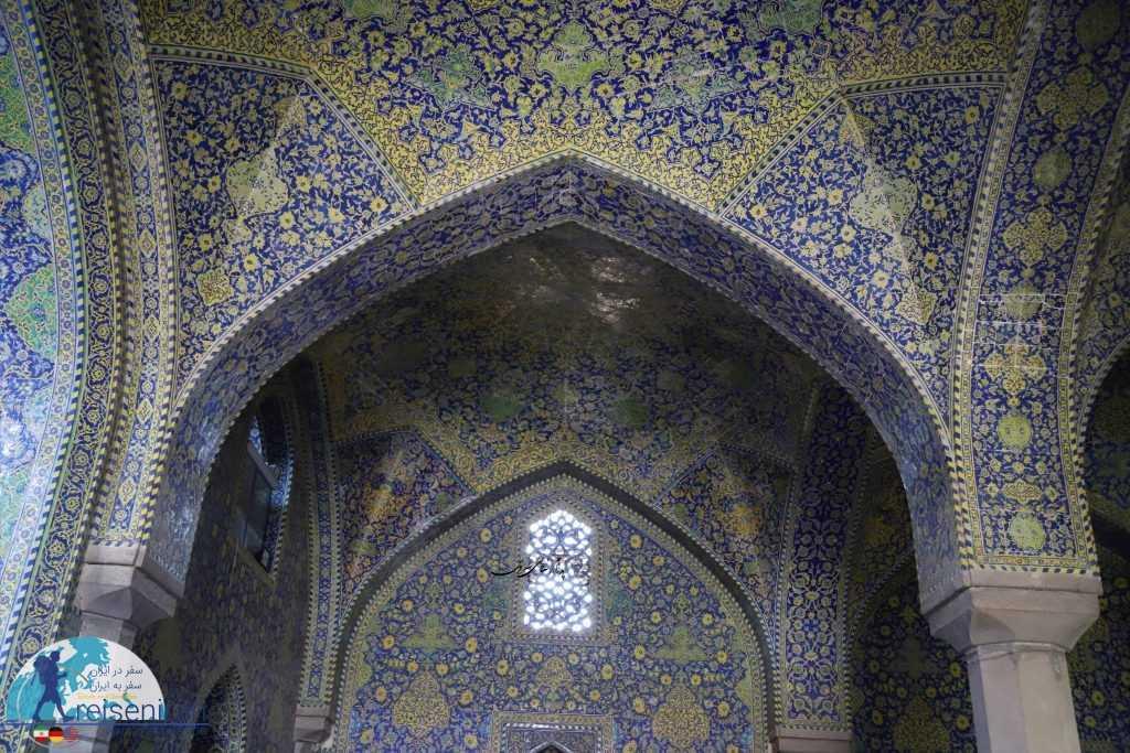 کاشی کاری های زیبا مسجد جامع عباسی