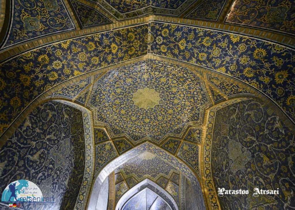 کاشی کاری های مسجد شاه