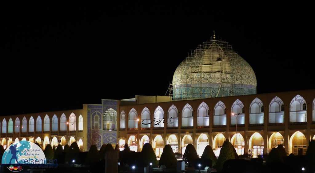 گنبد در حال تعمیر مسجد شیخ لطف الله اصفهان