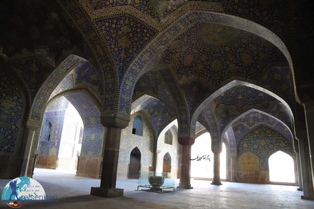 یکی از سنگاب های مسجد شاه اصفهان
