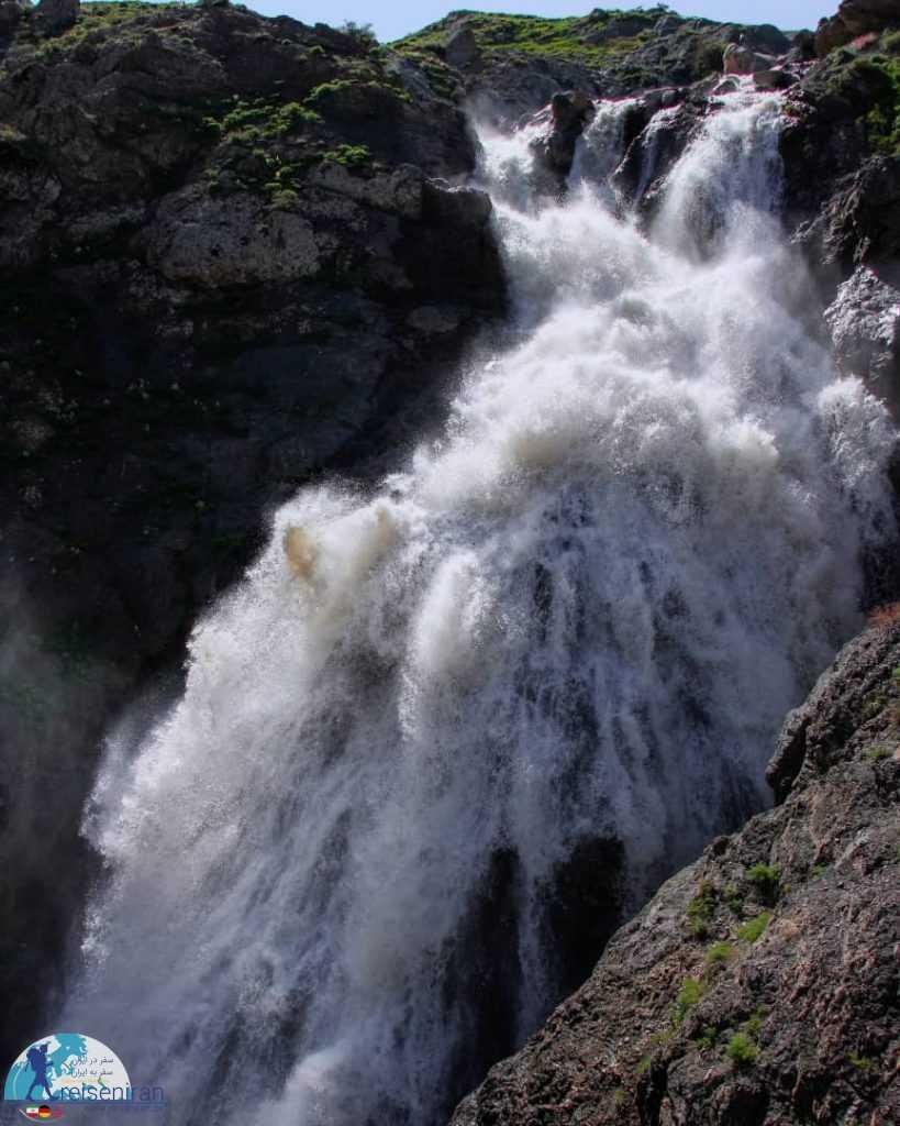 آبشار سوله دوکل خروشان