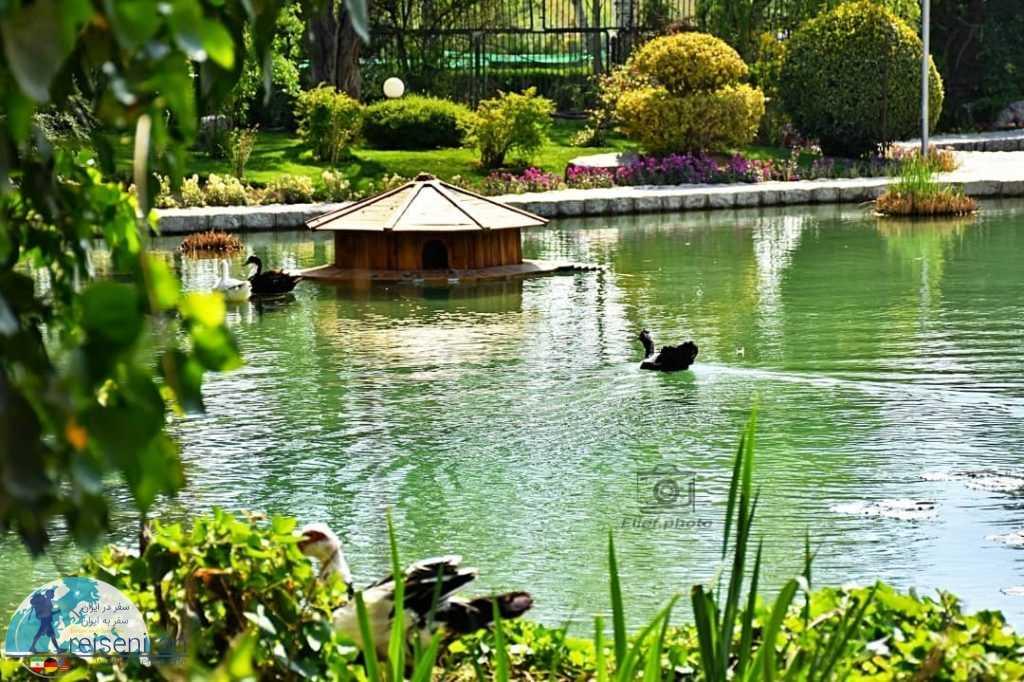 طبیعت باغ گل اصفهان