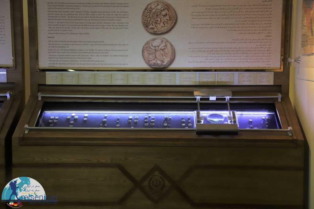 نحوه قرارگیری سکهها در موزه سکه بانک سپه