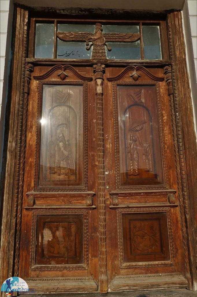 درب اداره پست گیلان