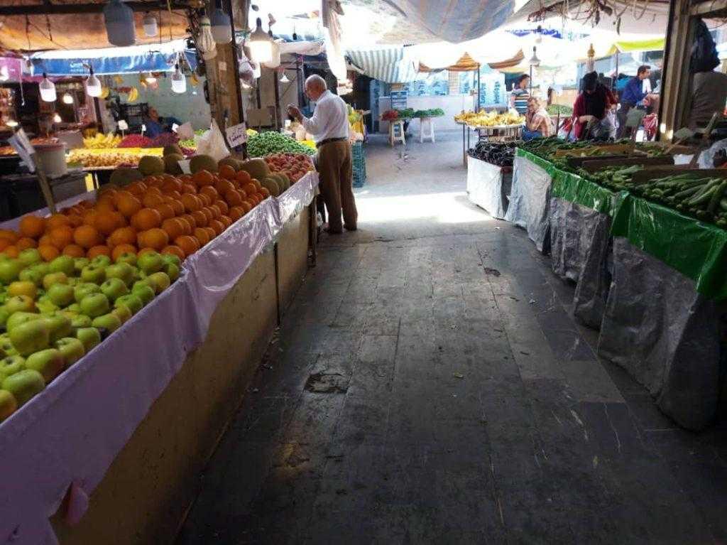 راسته میوه فروشان بازار رشت