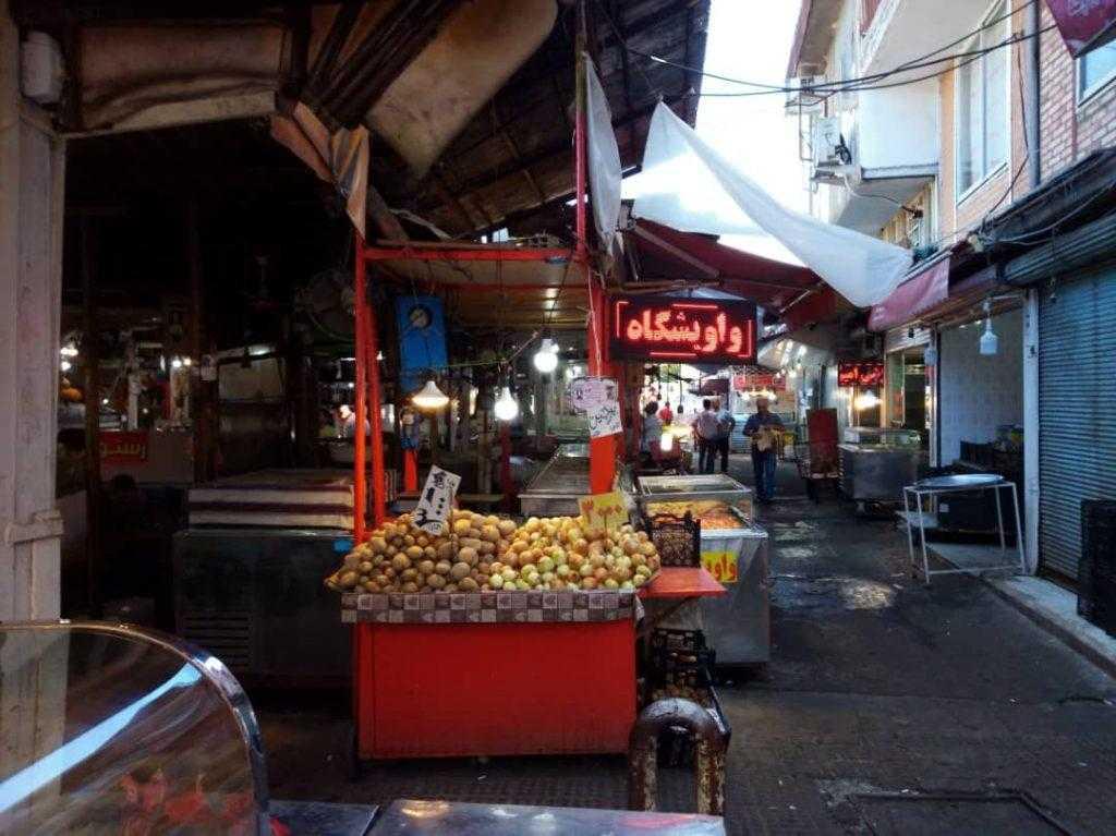 غذاهای محلی در بازار رشت