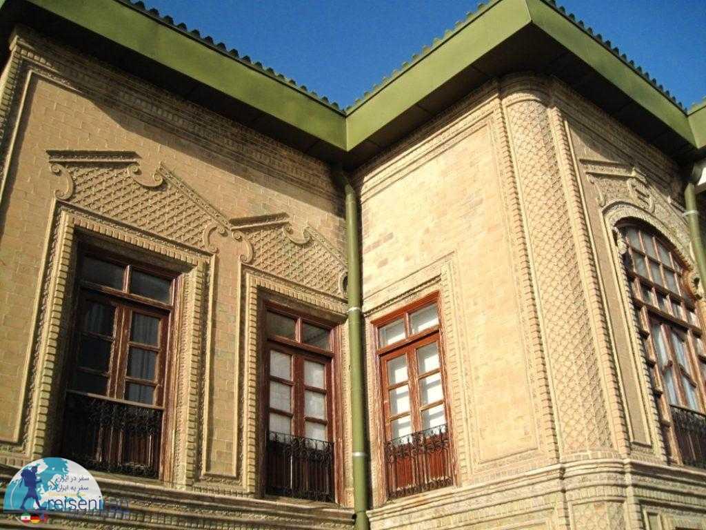 نمای بیرونی موزه زنجان