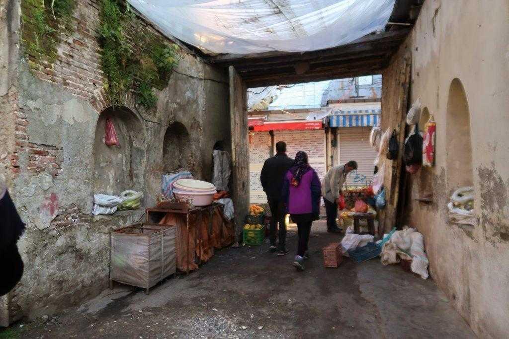 کاروانسراهای بازار رشت