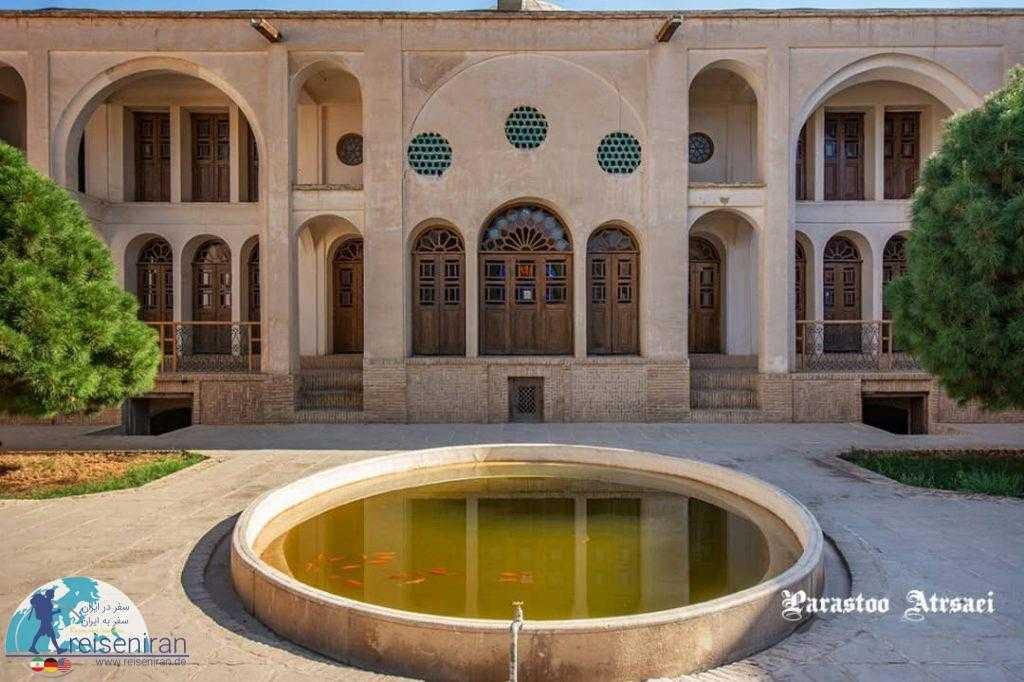 حیاط خدمه خانه طباطبایی ها کاشان