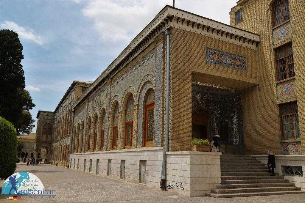 فضای بیرون عمارت های کاخ گلستان