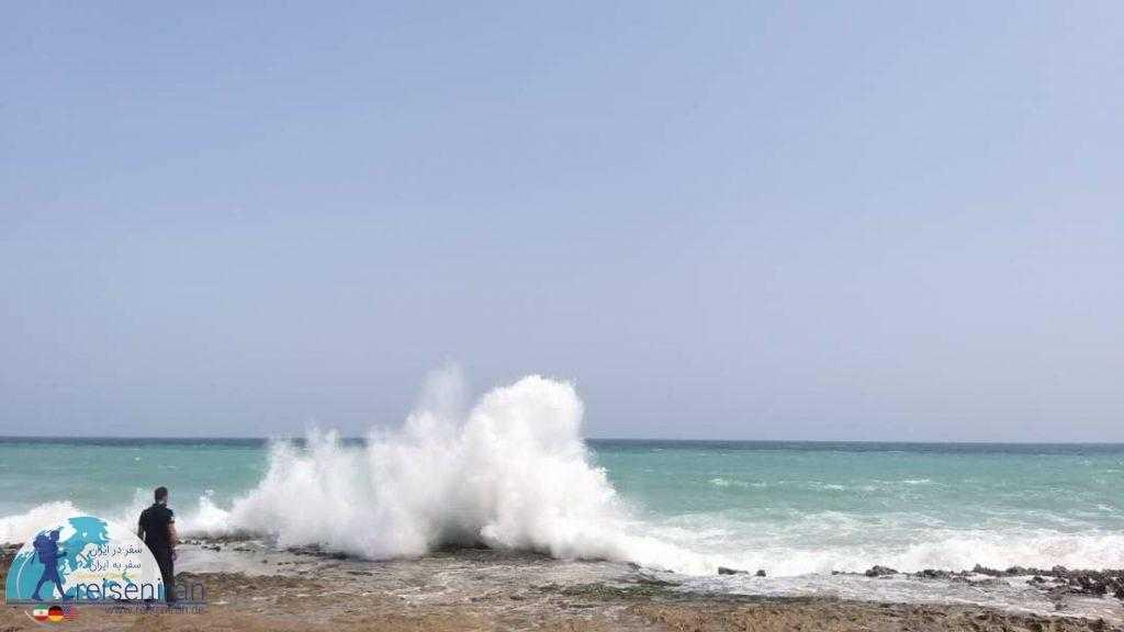 موج های بلند دریای عمان