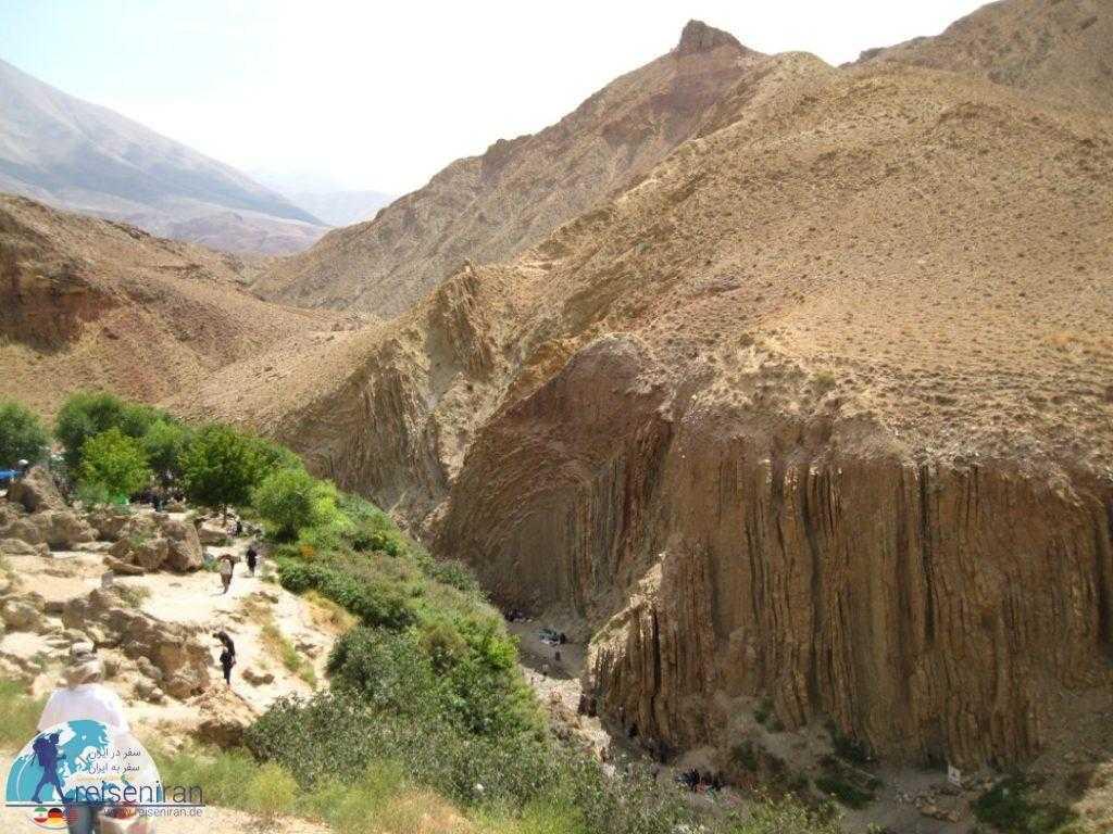 پیادهروی برای بازدید از آبشار اسیاب خرابه