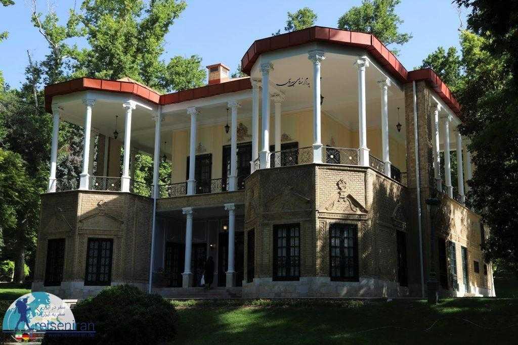 کوشک احمدشاهی، در کنار کاخ نیاوران