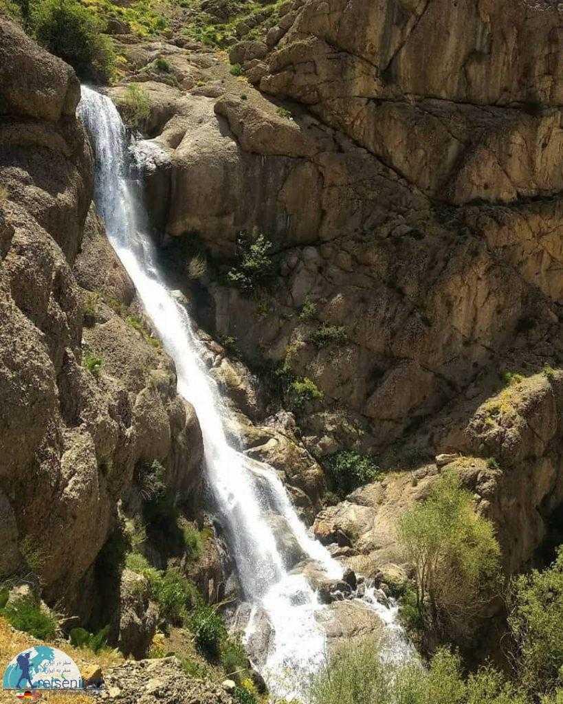 آبشار طرزه