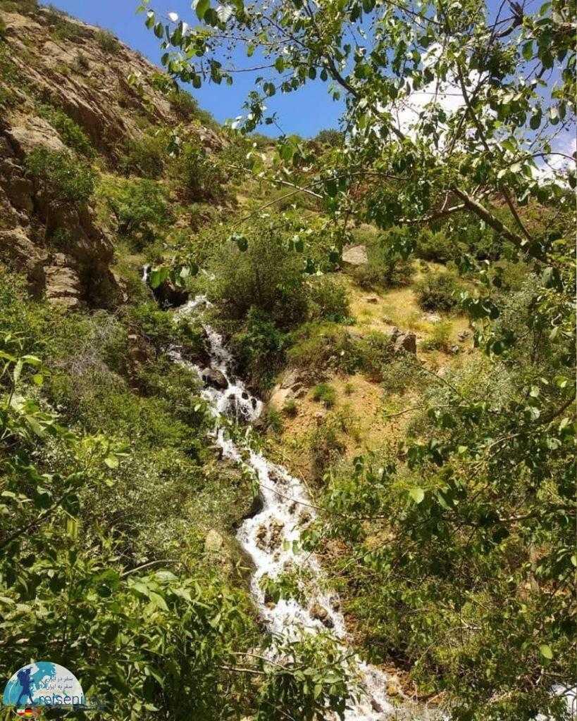 آبشار پشندگان فریدونشهر