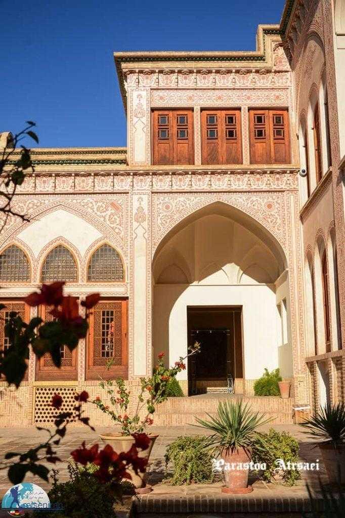 حیاط خانه عامری ها
