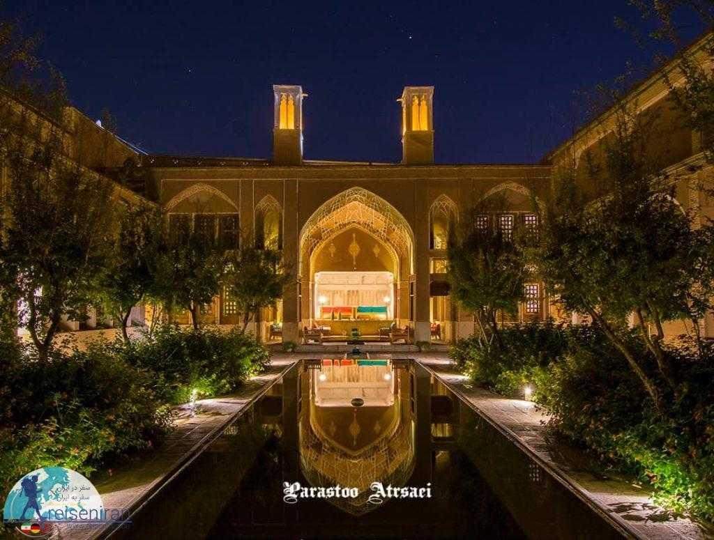 خانه عامری ها در شب
