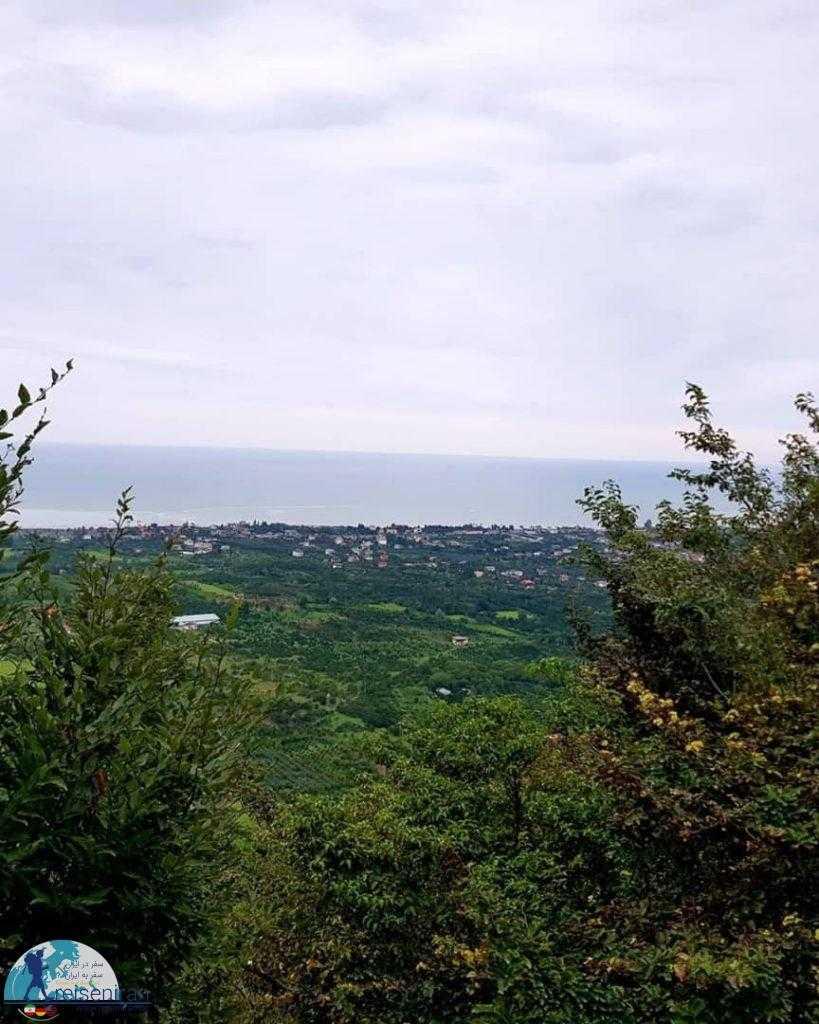 نمای شهر و دریا از قلعه مارکوه