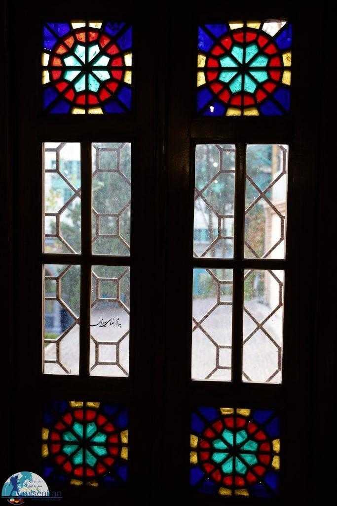 پنجره خانه مقدم