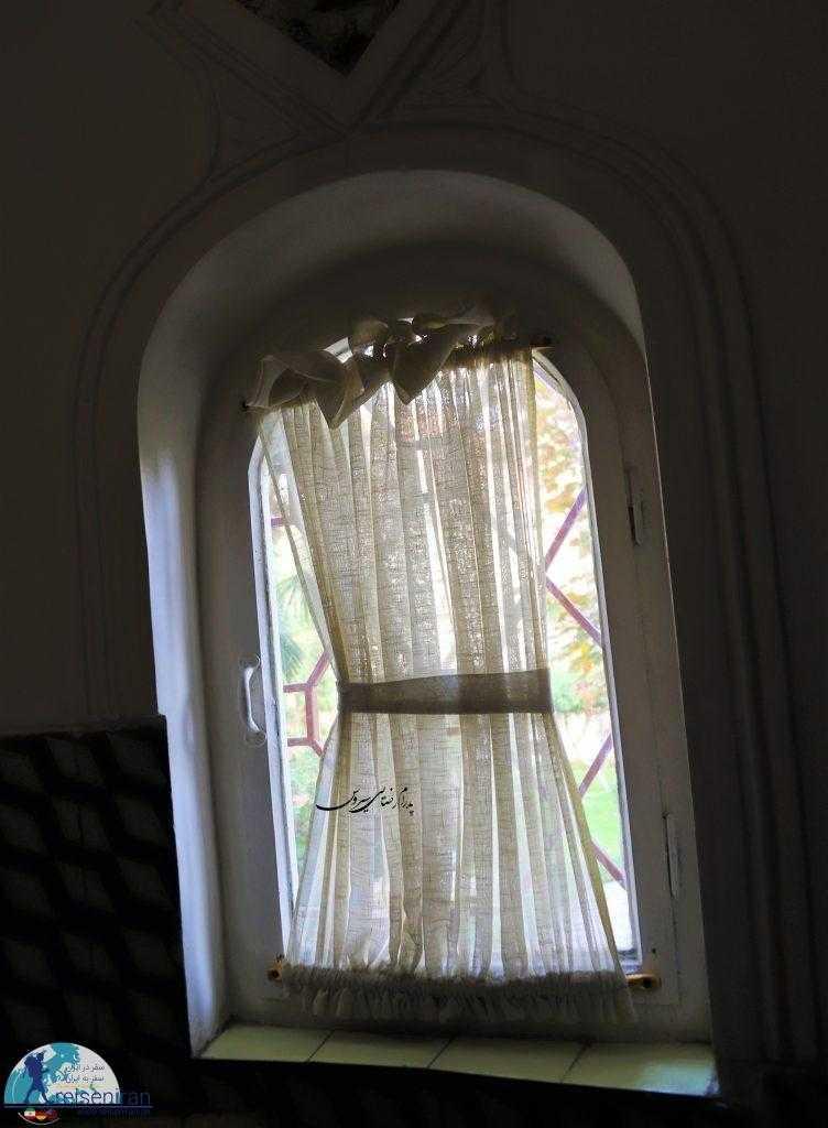 پنجره های خانه مقدم