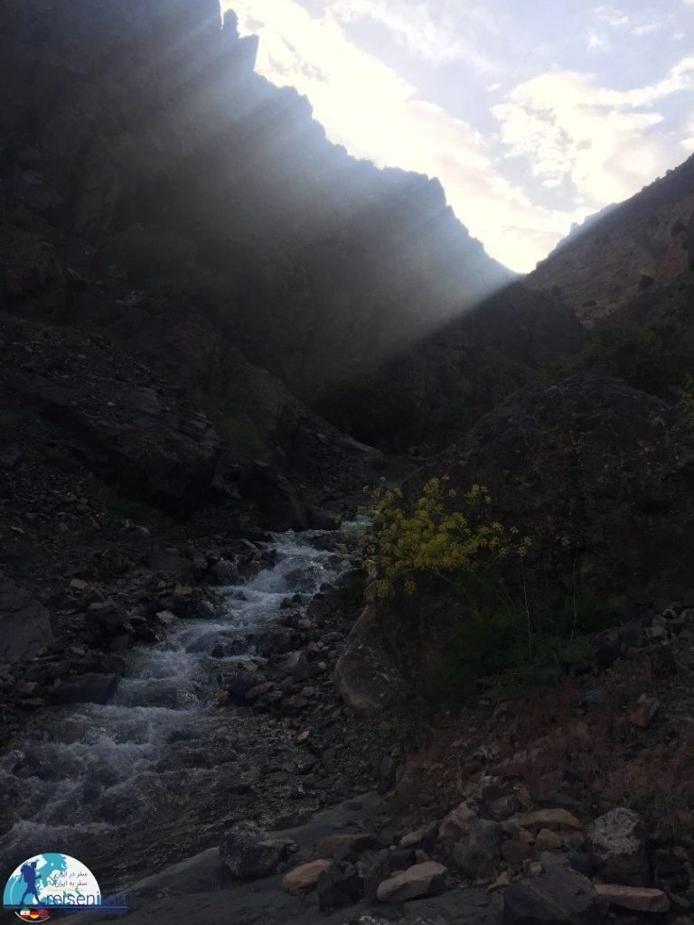 در مسیر ابشار نکارمن شاهرود