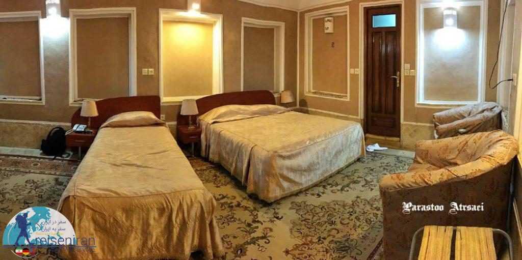 اتاق های هتل کاروانسرای مشیر یزد