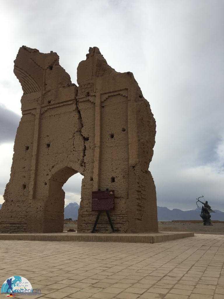 عکس قلعه سریزد
