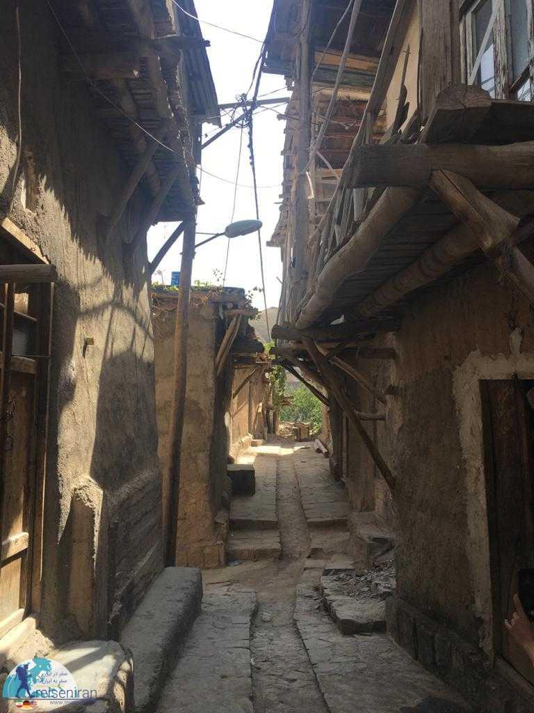 کوچه های روستای کنگ