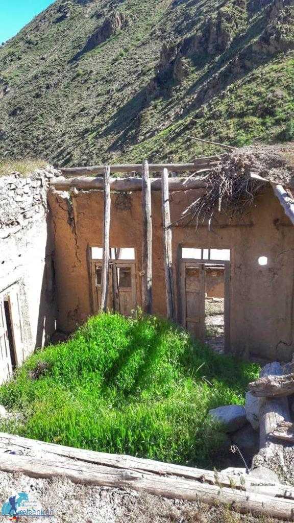 خانه های مخروبه در روستا شیلاندر