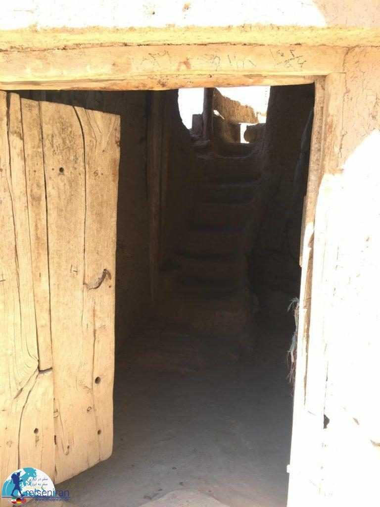 درب های باز خانه های روستا