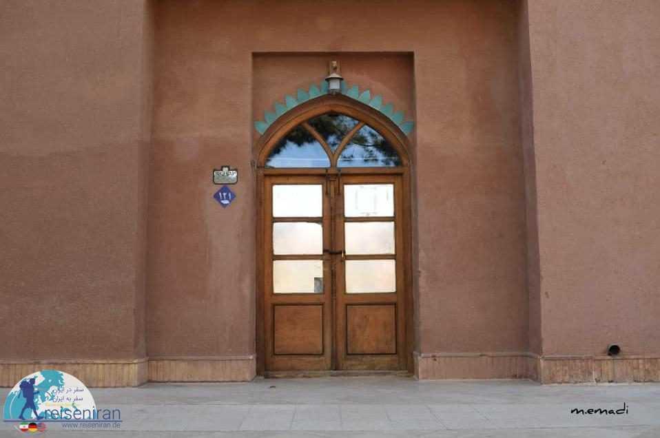 درب چوبی یک اتاق در ارگ گوگد گلپایگان