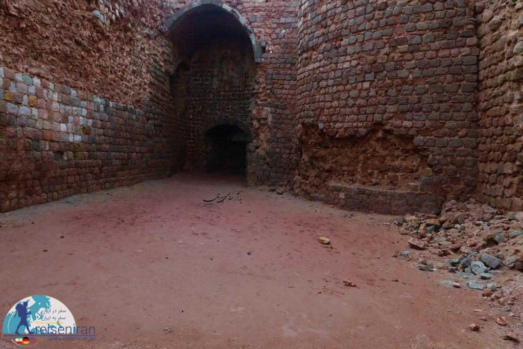 دیواره های قلعه پرتغالی ها