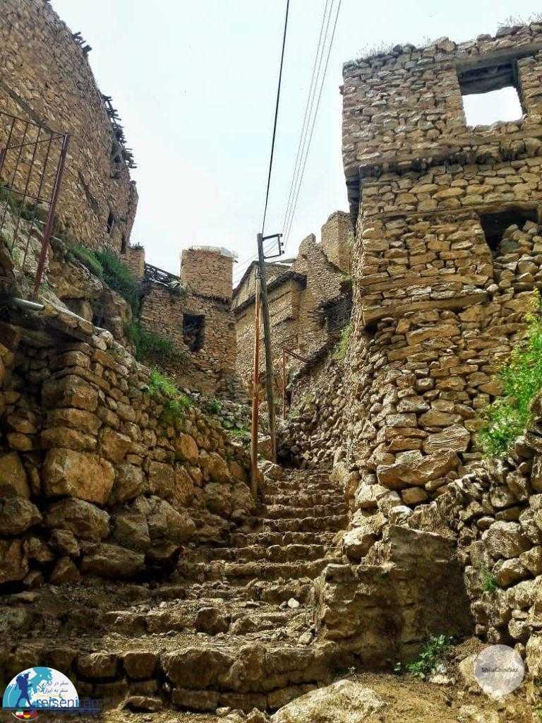 پله های روستا پالنگان