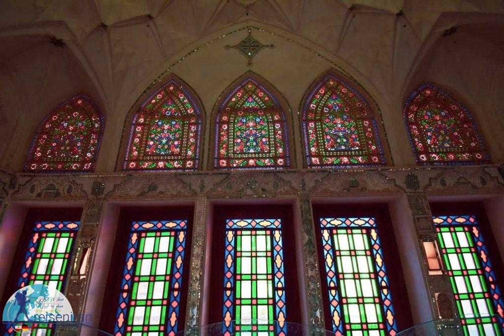 شیشه های رنگی خانه عباسیان