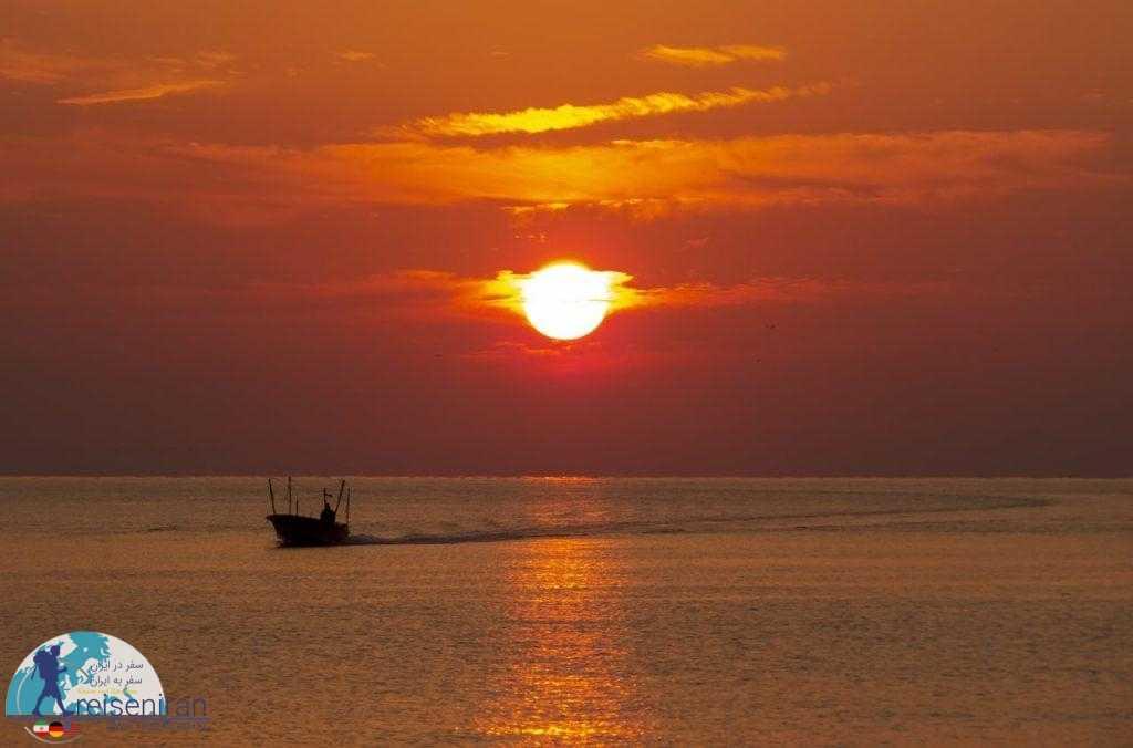 غروب خلیج نیلگون پارس